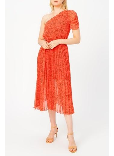 Random Pilise Detaylı Tek Omuz Kırmızı Desenli Elbise Somon